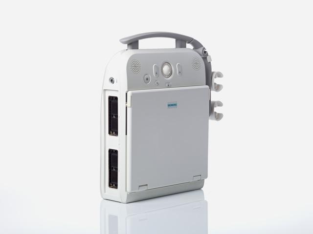 Ультразвуковой сканер ACUSON P300 идеален, когда врачу нужно быстро обследовать пациента в сложных условиях...